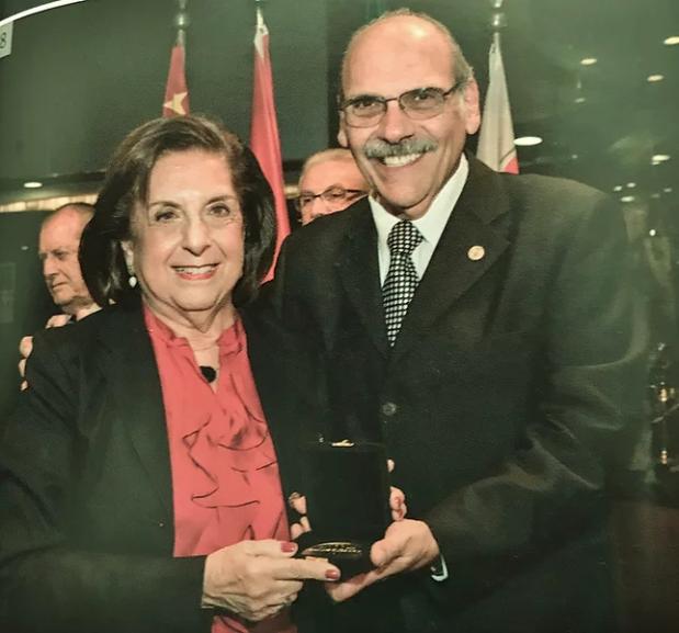 D. Nádira recebe homenagem no centenário do Club Sírio